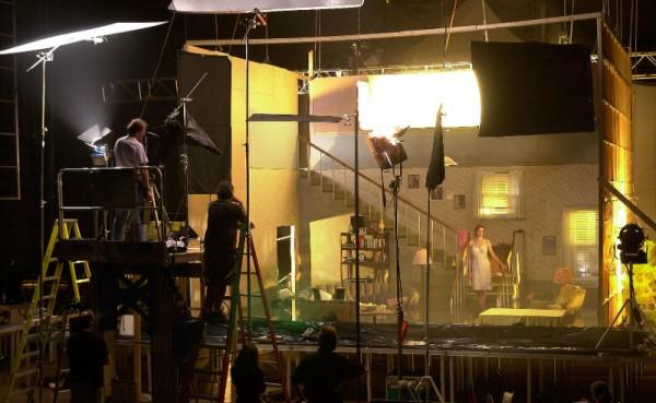 Fotografía del behind the scenes de la realización de la toma de Ophelia.