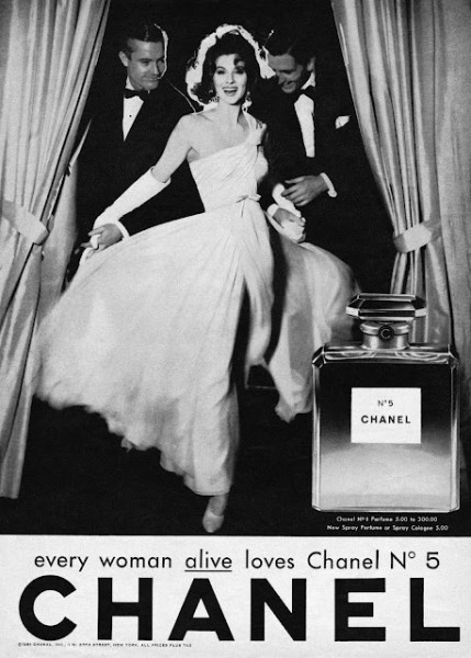 Suzy Parker en 1957. Rostro insigne de Chanel y cercana amiga a la misma Coco.