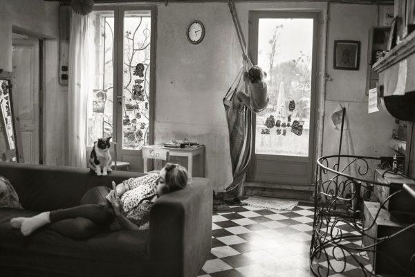 """Alain Labiole, fotografía de """"La Famille"""", 2014. Crédito: Lensculture."""