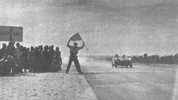 Autor desconocido, Juan Manuel Fangio, Carrera Panamericana 1953.